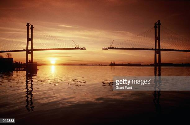 bridge construction in vancouver, canada - bridging the gap stock pictures, royalty-free photos & images