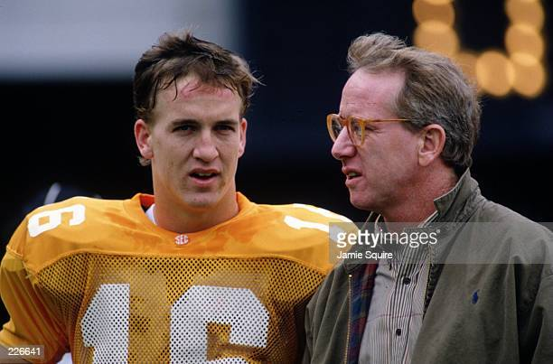 TENNESSEE QUARTERBACK PEYTON MANNING WITH HIS FATHER ARCHIE MANNING DURING THE VOLUNTEERS 5214 VICTORY OVER THE MISSISSIPPI STATE BULLDOGS AT NEYLAND...