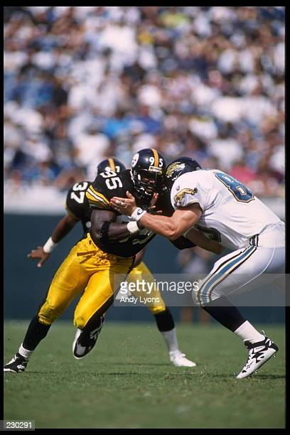LINEBACKER GREG LLOYD OF THE PITTSBURGH STEELERS IN ACTION DURING THE STEELERS 2016 LOSS TO THE JACKSONVILLE JAGUARS AT JACKSONVILLE MUNICIPAL...