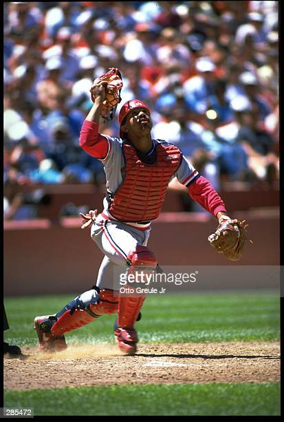 ST LOUIS CARDINALS CATCHER TONY PENA LOOKS TO CATCH A POPFLY DURING THE CARDINALS VERSUS THE SAN FRANCISCO GIANTS GAME AT CANDLESTICK PARK IN SAN...