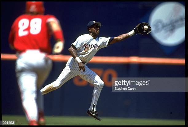 SAN DIEGO PADRES INFIELDER TONY FERNANDEZ MAKES A CATCH DURING THE PADRES VERSUS PHILADELPHIA PHILLIES GAME AT JACK MURPHY STADIUM IN SAN DIEGO...