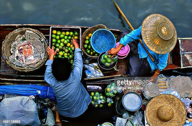 tb16-12 - floating market stock photos and pictures