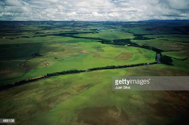 aerial of the gran sabana in venezuela - la gran sabana fotografías e imágenes de stock