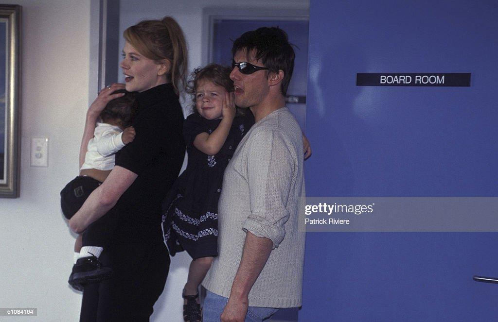 Nicole Kidman And Tom Cruise Candid : News Photo