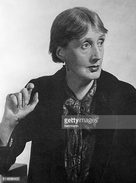 VIRGINIA WOOLF ENGLISH NOVELIST AND ESSAYIST PHOTOGRAPH EARLY 1930'S