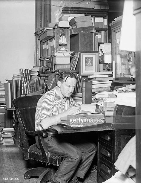 PHOTO SHOWS HARRY HOUDINI AT HIS DESK JULY 251925