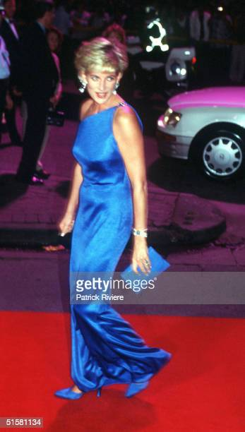 NOV 1996 - PRINCESS DIANA, THE PRINCESS OF WALES ARRIVING AT THE VICTOR CHANG CARDIAC RESEARCH INSTITUTE DINNER DANCE IN SYDNEY , AUSTRALIA.