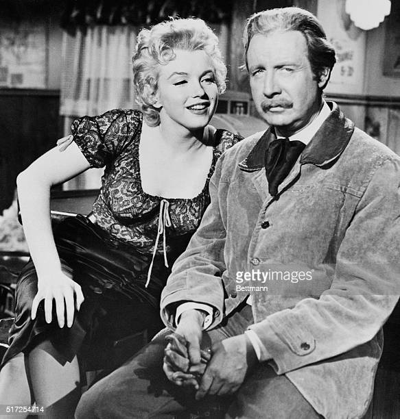 Marilyn Monroe and Arthur O'Connell in Bus Stop