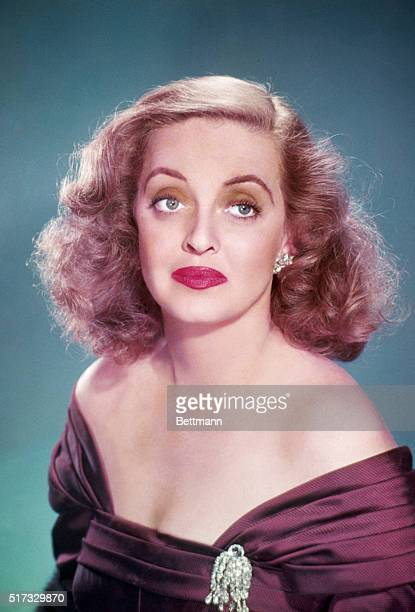 BETTE DAVIS AMERICAN ACTRESSUNDATED PHOTOGRAPH