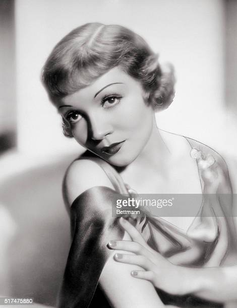 PARAMOUNT PICTURES STAR CLAUDETTE COLBERT UNDATED PUBLICITY STILL
