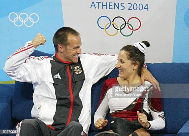 Trampolin Olympische Spiele Athen 2004 Athen Frauen Bundestrainer Michael KUHN Anna DOGONADZE / GER Gold 200804