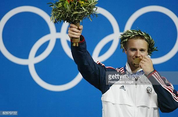 Schiessen Olympische Spiele Athen 2004 Athen Kleinkaliber liegend 50m / Maenner / Sieger Matthew EMMONS / USA Gold 200804