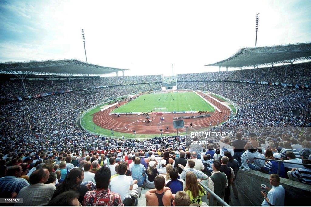 FUSSBALL: FUSSBALLSTADION/SPORTSTAETTEN/STADION 03.08.97 : Nachrichtenfoto