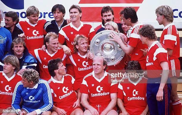 FUSSBALL: 1. BUNDESLIGA 86/87, MEISTERSCHAFT, MEISTER FC BAYERN MUENCHEN