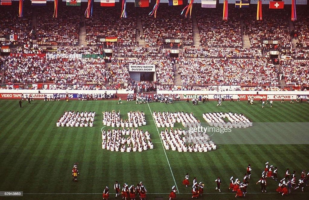 EURO 1988, EROEFFNUNGSFEIER, DUESSELDORF; RHEINSTADION DUESSELDORF