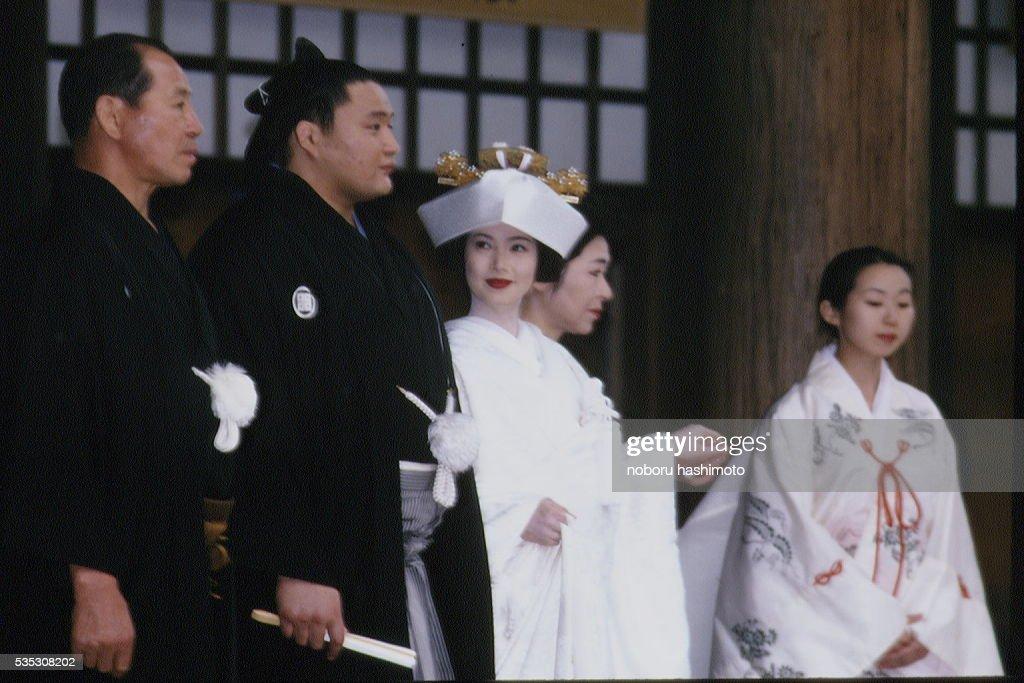 MARRIAGE OF SUMO TAKANOHANA AND KEIKO KONO IN TOKYO : ニュース写真