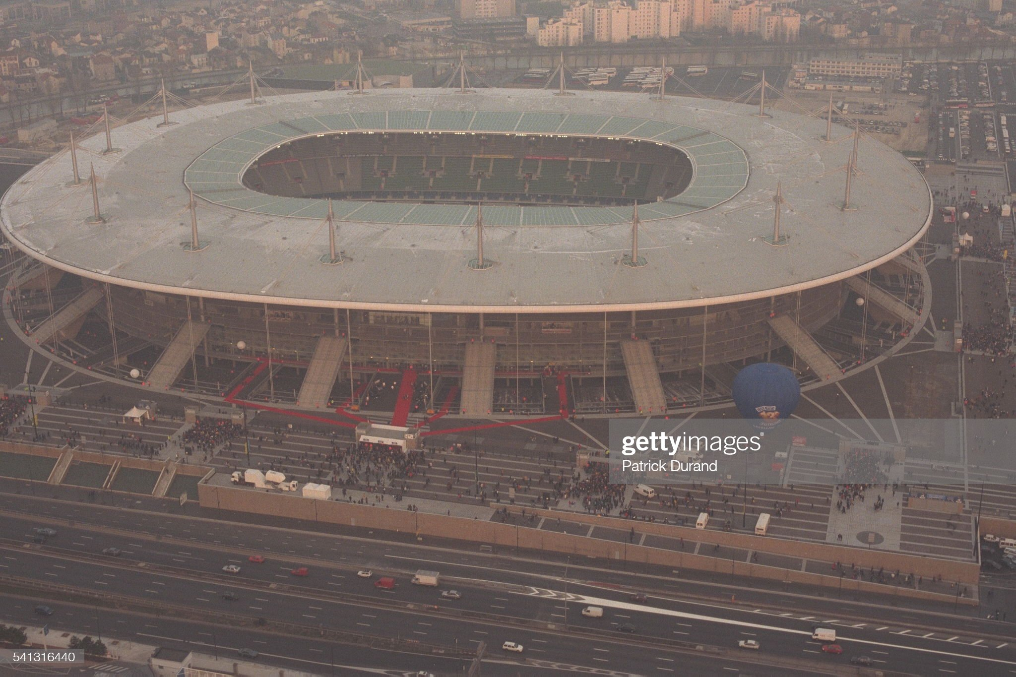 GLIMPSE OF THE STADE DE FRANCE ON ITS OPENING DAY : ニュース写真
