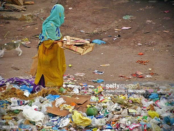 the breadwinner - karachi fotografías e imágenes de stock