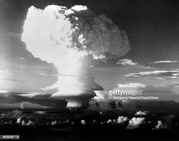 MUSHROOM CLOUD FROM ATOMIC...
