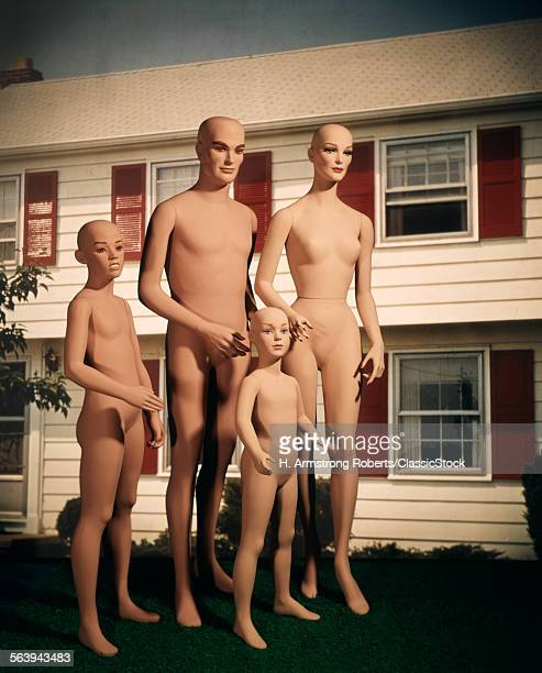 MANNEQUIN FAMILY MOTHER...