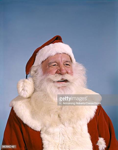 PORTRAIT OF SMILING SANTA...