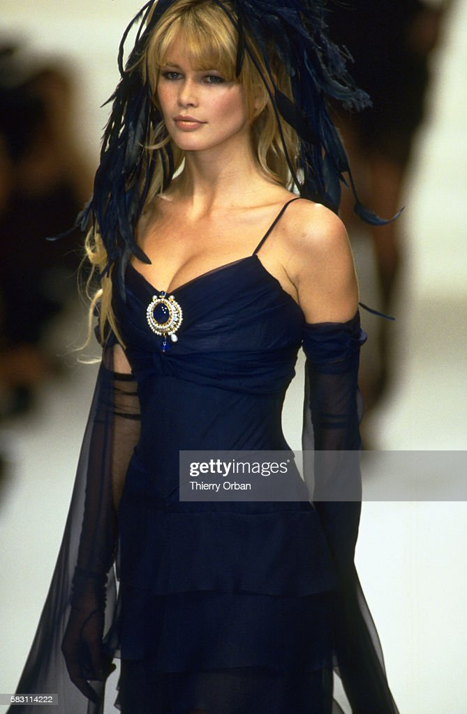 1994 SPRING SUMMER HAUTE COUTURE COLLECTION: CHANEL : ニュース写真
