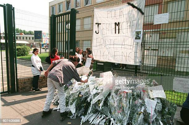 MARCH IN MEMORY OF A YOUNGSTER KILLED IN AULNAY