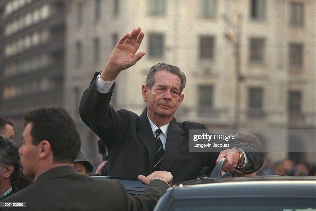 RETURN OF KING MICHAEL OF ROMANIA TO BUCHAREST : News Photo