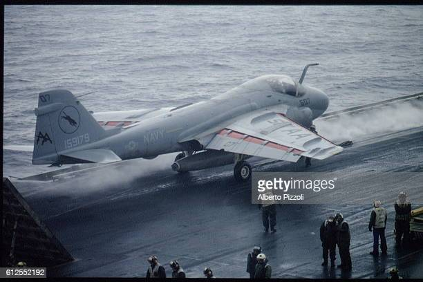 CARRIER 'THE USS SARATOGA' IN THE ADRIATIC SEA