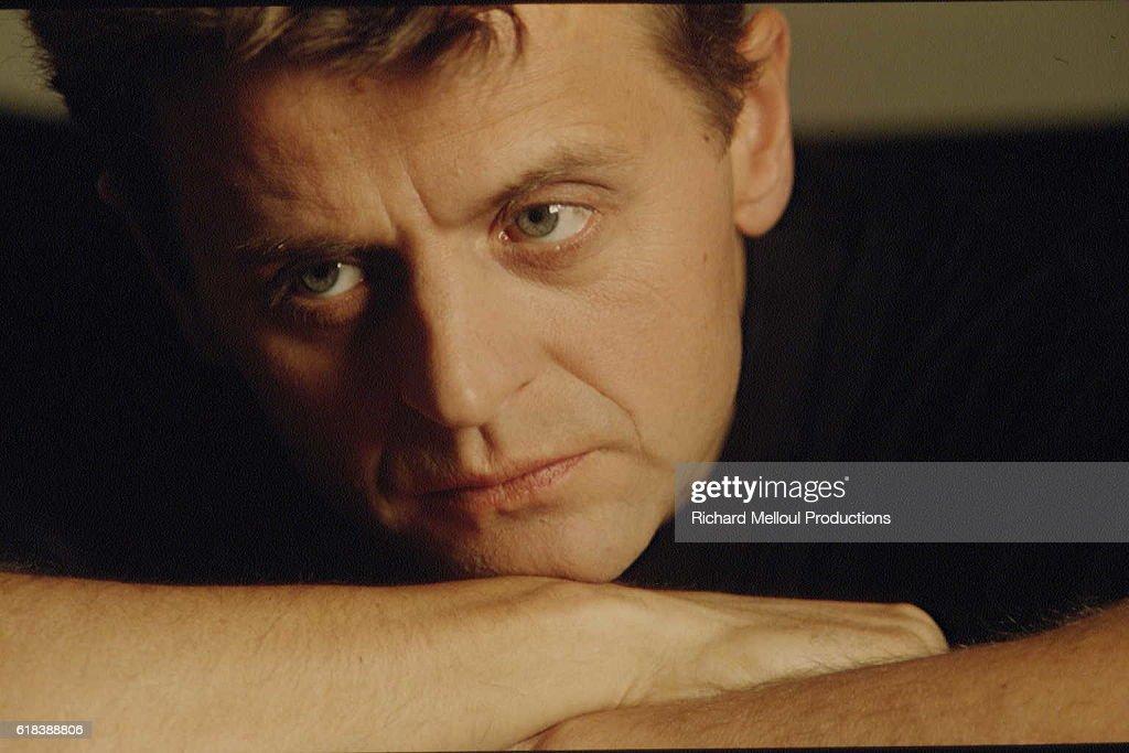PARIS : MIKHAEL BARYCHNIKOV IN A PHOTO STUDIO. : Photo d'actualité