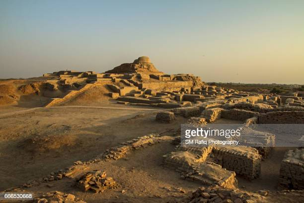 moenjo daro (mound of the dead) - ancient civilisation stock pictures, royalty-free photos & images