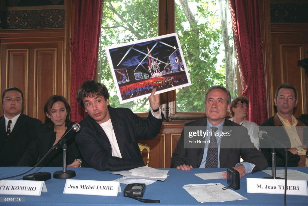 J.M.JARRE PRESENTS HIS CONCERT FOR THE 14TH JULY : News Photo