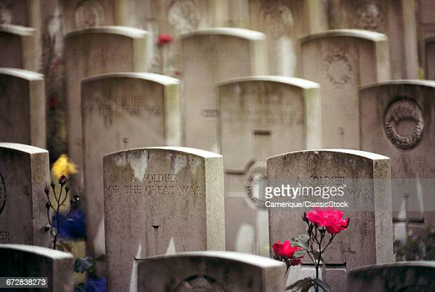 SOLDIERS GRAVES FROM WORLD...