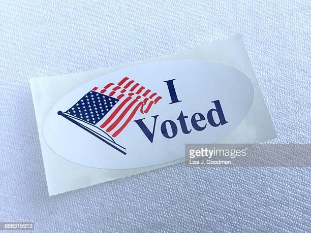 election day in the usa! - i voted sticker fotografías e imágenes de stock
