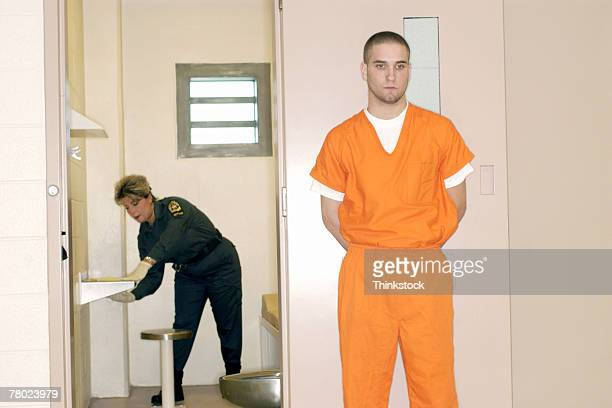 thc0024337 - prison guard stock pictures, royalty-free photos & images