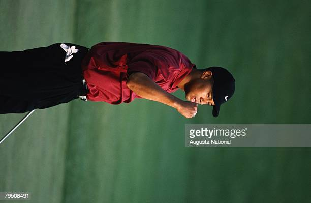 TIGER WOODS ON THE 18TH HOLE DURING THE 2001 MASTERS TOURNAMENT.
