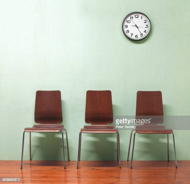 doctors empty waiting room - waiting room stock pictures, royalty-free photos & images