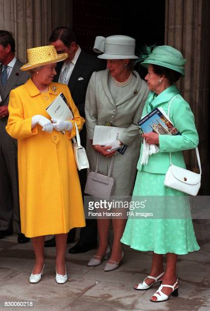 AND HRH PRINCESS MARGARET TALK TO QUEEN ANNA MARIA OF GREECE AT THE MARRIAGE BETWEEN THE LATE EARL LOUIS MOUNTBATTENS'S GRANDSON TIMOTHY KNATCHBULL...