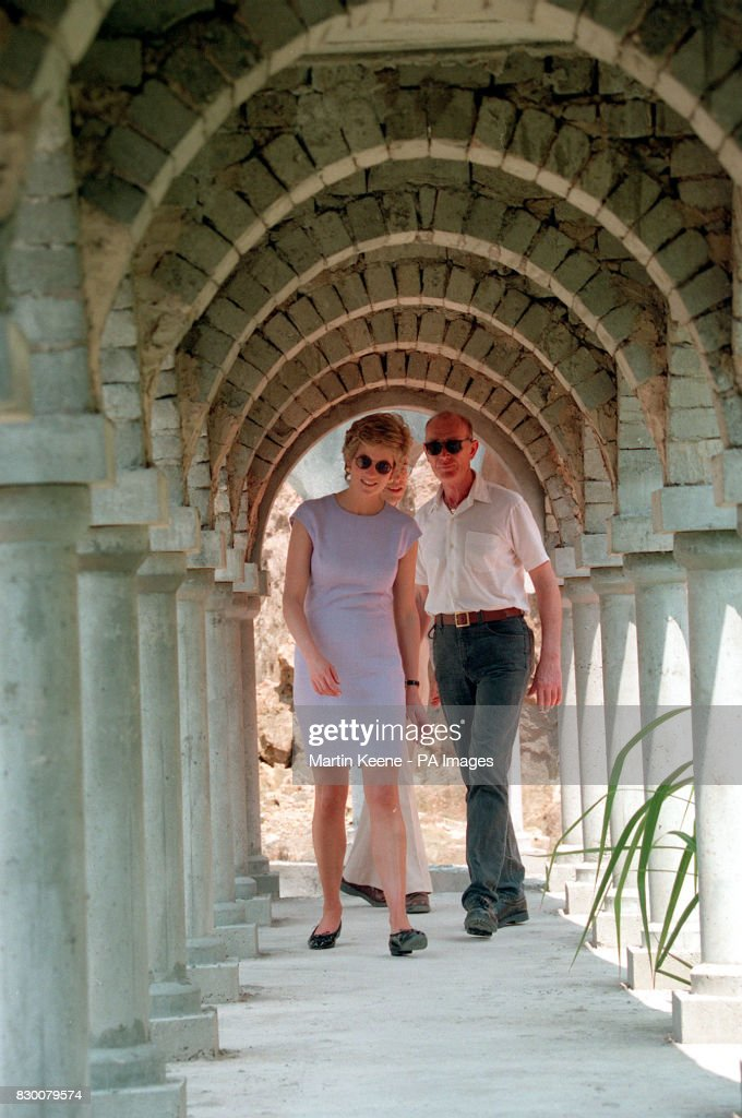 Princess Diana In Hong Kong : News Photo