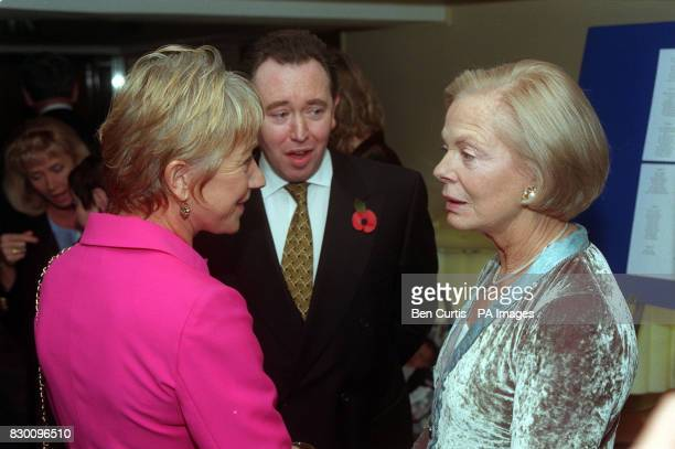 PA NEWS PHOTO 5/11/98 ACTRESS HELEN MIRREN AND THE DUCHESS OF KENT AT THE CHAMPION CHILDREN AWARDS, HELD AT THE SAVOY HOTEL IN LONDON.