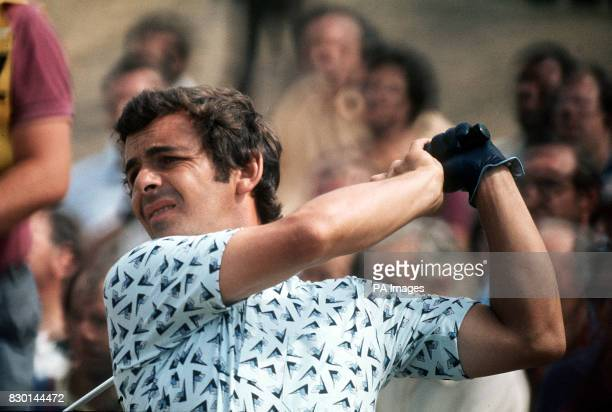 S TONY JACKLIN DRIVES DURING THE 1976 OPEN GOLF CHAMPIONSHIP AT ROYAL BIRKDALE