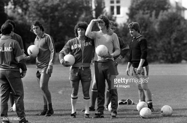 PA NEWS PHOTO 5/9/77 A LIBRARY FILE PICTURE OF KEVIN KEEGAN AND MIKE CHANNON OF ENGLAND DURING TRAINING AT WHETSTONE PRIOR TO THE FRIENDLY...