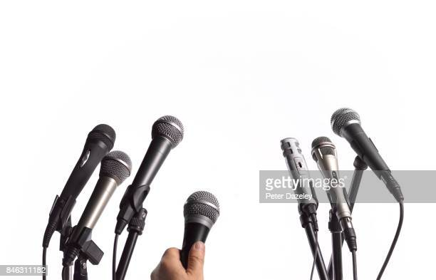 interview microphones - press conference stock pictures, royalty-free photos & images