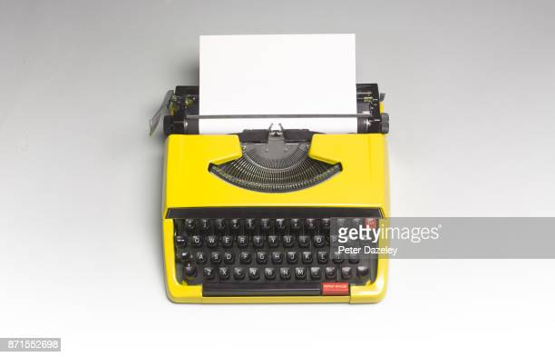TYPEWRITER WITH COPY SPACE