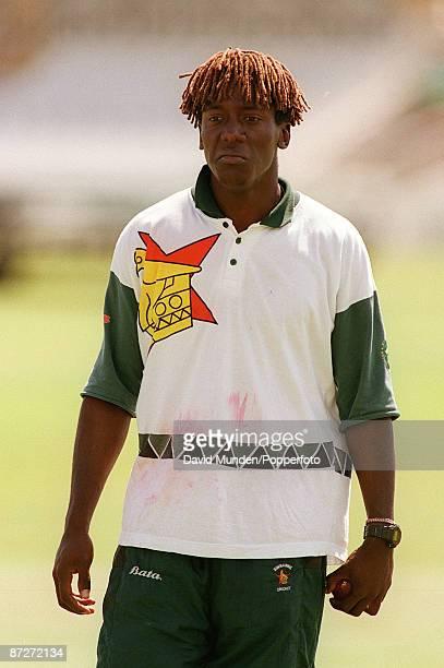 CRICKET : HENRY OLONGA / ZIMBABWE