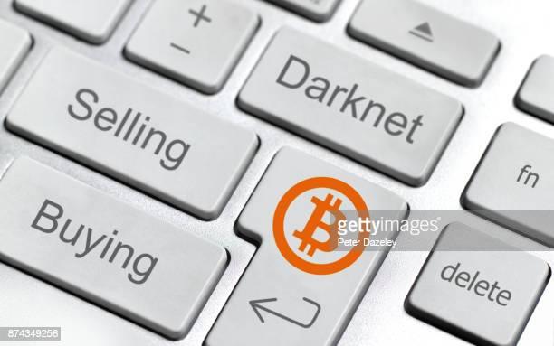 bitcoin keyboard - deep web fotografías e imágenes de stock