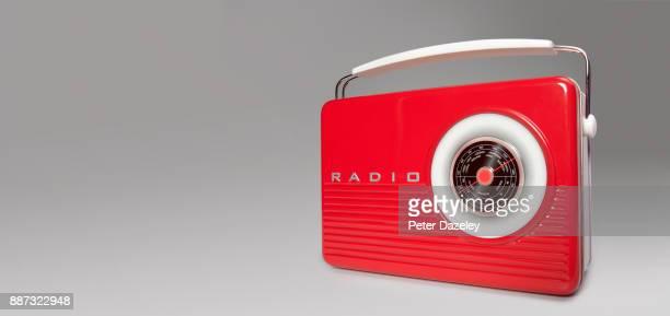NOSTALGIC PORTABLE RADIO