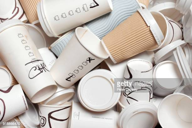 unrecyclable takeaway coffee cups - disposable cup stock pictures, royalty-free photos & images
