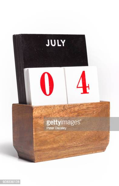 fourth of july desk calendar - july stock pictures, royalty-free photos & images