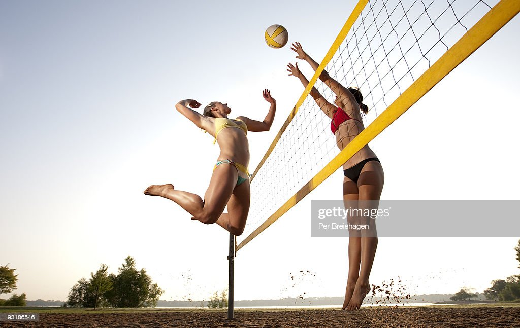 SPIKE AND BLOCK : Stock Photo